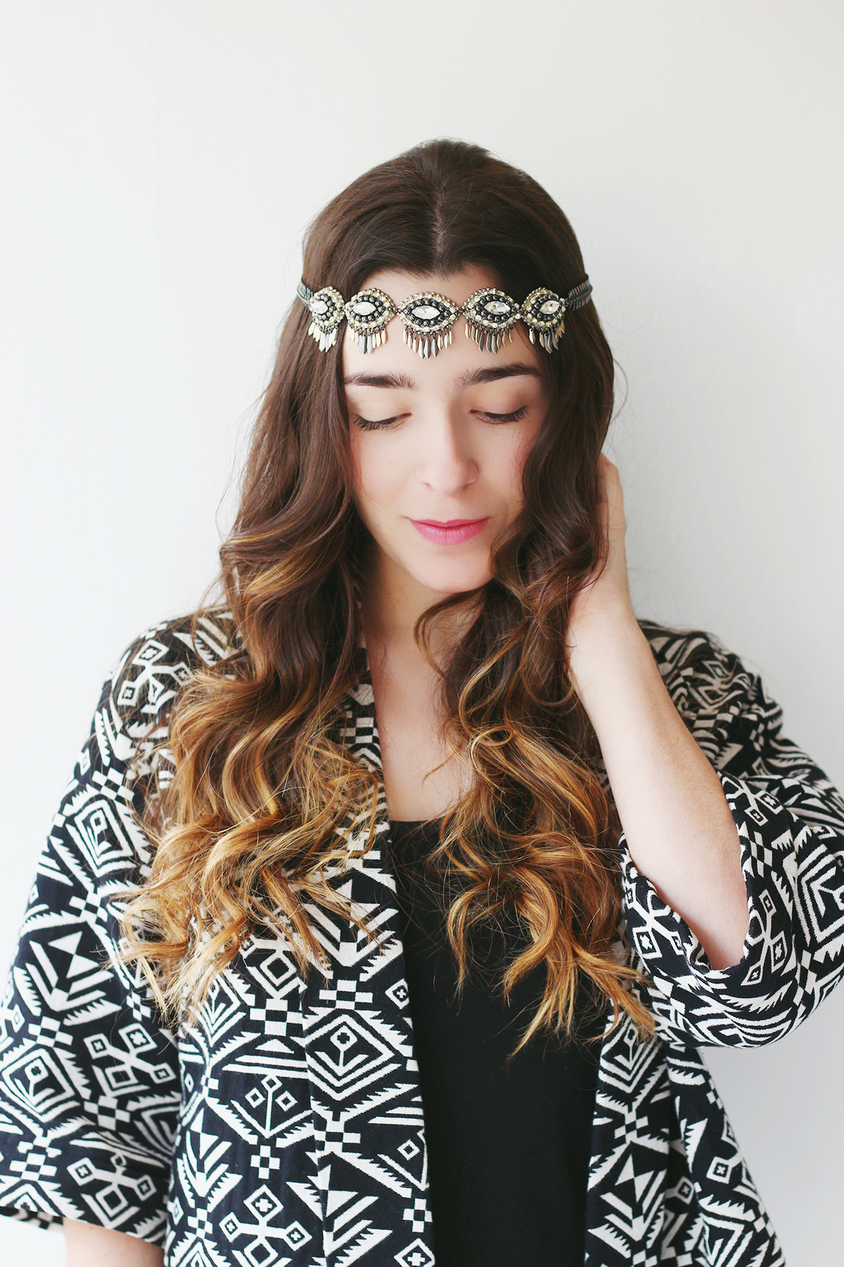3 Bohemian Hairstyles You Can Do With Necklace Ela